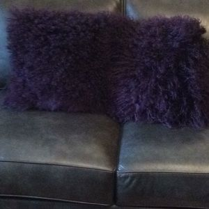 Mongolian curly wool pillow . Polyester suede back